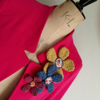 Hand Knit Flower Brooch Gift Kit