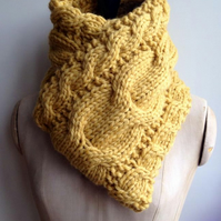 Make your own luxury cable knit scarf