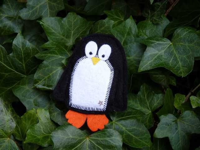 Cyril the Penguin Brooch