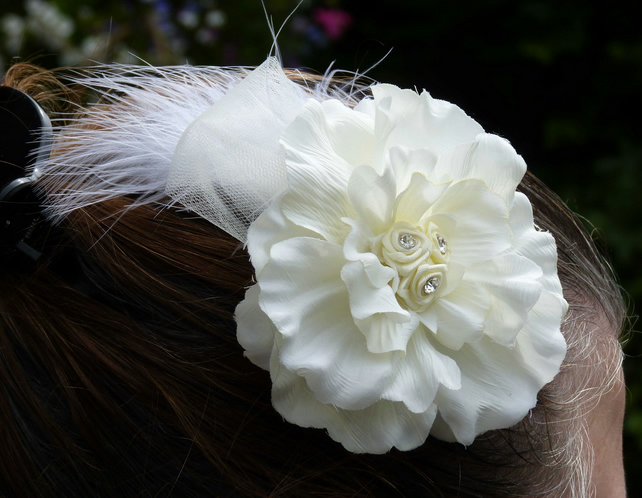 Ivory Hair Clip - Fascinator