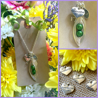 GODMOTHER PERSONALISED Green Peas-in-a-Pod Family Handmade Pendant