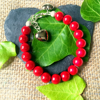 Red Illusion Bead Bracelet - Truly Eyecatching
