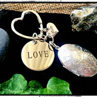Mothers day - New Mum  - MUM Love Locket Photo Bagcharm Keyring