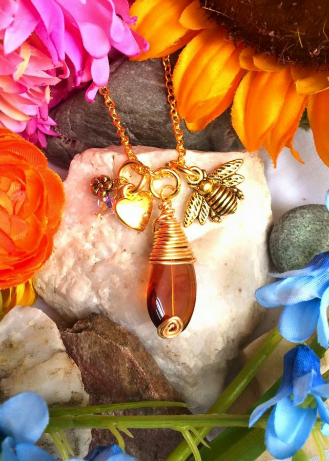 Drop of Honey - Bee Necklace Gold Colour