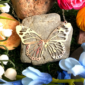 Sale Gorgeous Open Butterfly Necklace