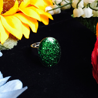 Sale oval ring - green glitter