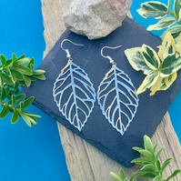 OFFER Large leaf earrings