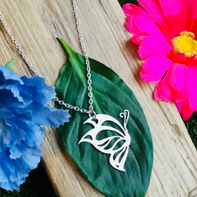 Sale Gorgeous Butterfly necklace