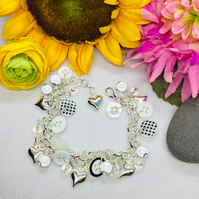 Cute as a button - white and silver button and bead bracelet