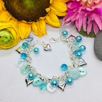 Cute as a button - blue buttons and beaded bracelet