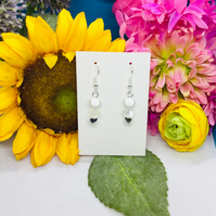 Offer white and silver beaded earrings