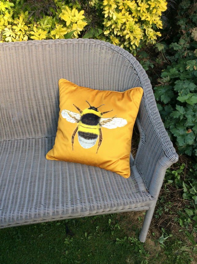 Velvet Bee  cushion in a rich mustard velvet fabric. Free UK P&P. Plaid backing