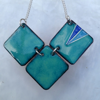 ENAMELLED TRIPLE SHAPED NECKLACE WITH STERLING SILVER