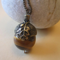 20mm Large Genuine Tigers Eye Autumnal Acorn Oak Leaf Long Necklace Pagan Wicca