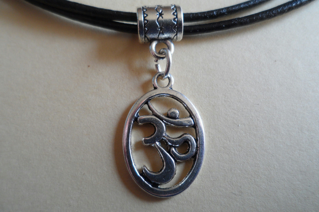 New Tibetan Silver Oval Om Aum Ohm Black Leather Adjustable Layered Necklace