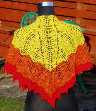 Farose shaped shawlette