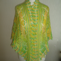Daffodil Green and Yellow Lace triangular shawl