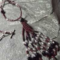 Lariat Style Tassel Necklace in Maroon Shades