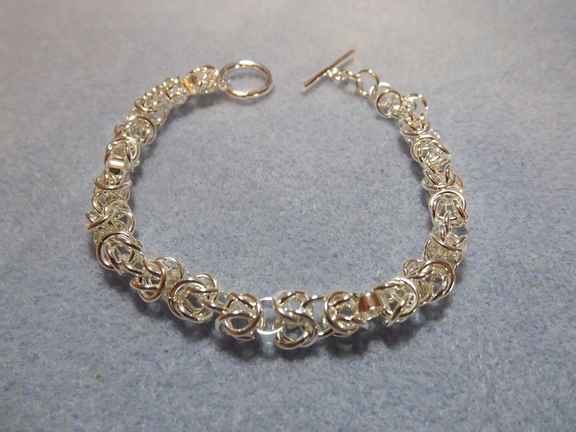 Woven Chainmaille Bracelet Silver Plated. Chain and link Bracelet