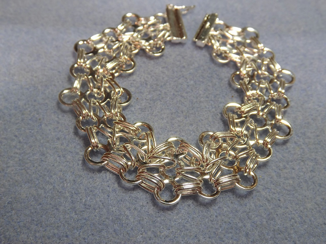 Chainmaille Bracelet Silver Plate.  Three Circle Design Chain and Link Bracelet