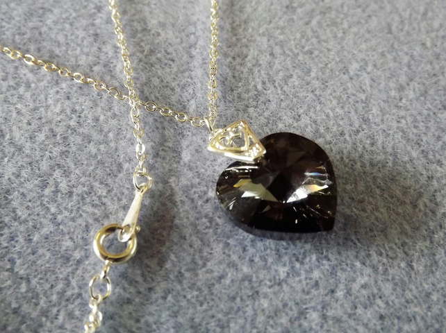 Swarovski 18mm Black Heart Necklace Pendant (Style 6)