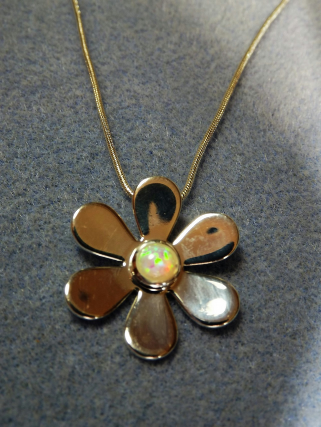 Daisy Glass Opal  Cabochon Necklace (Style 17np)