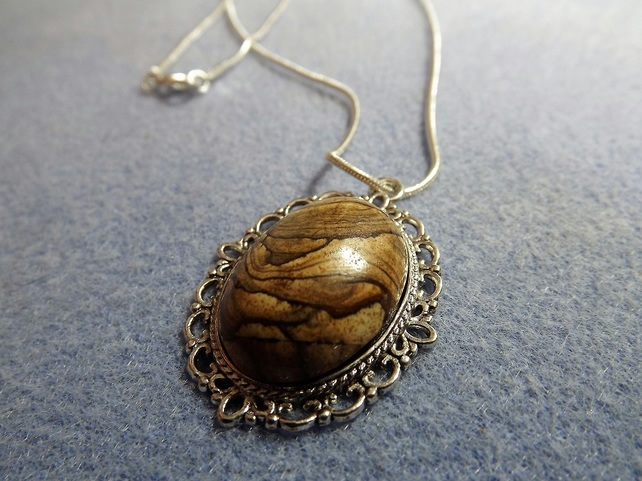 Brown Jasper Filagree Cabochon Necklace in Silver Plate (style 27NP)