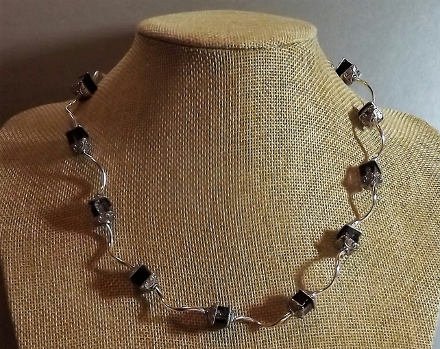 "Black and Silver Coloured Silver Plated Cube Necklace. Crackle Beads. 18"" Length"