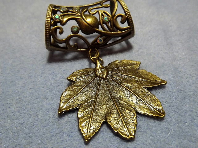 Scarf Jewelley. maple leaf. Scarf Slider ring. (Style np)