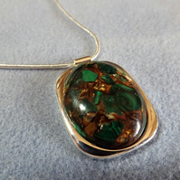 Green Malachite and Bronzite gemstone Cabochon Necklace. Silver Plate (Style NP5