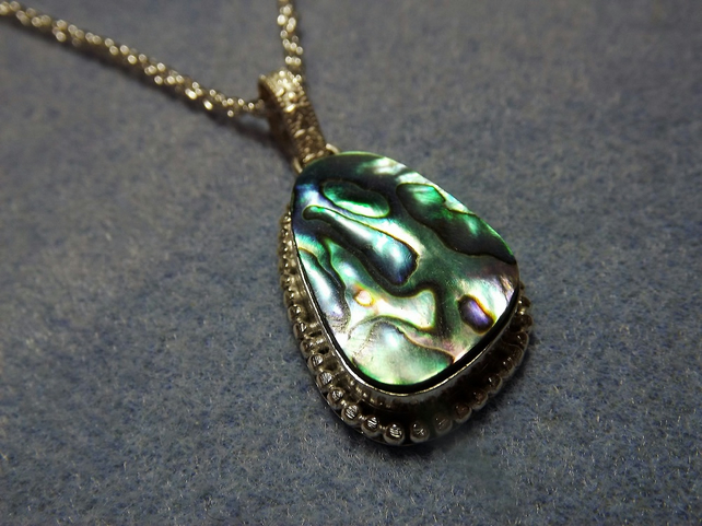 Abalone pendant in irregular shaped silver plate cabochon setting (Style 4)