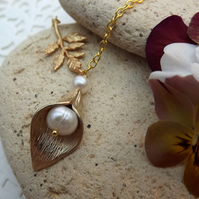 Calla Lily, Cultured Pearl and Leaf 14K Matt Gold Plate Charm Necklace (Style30)