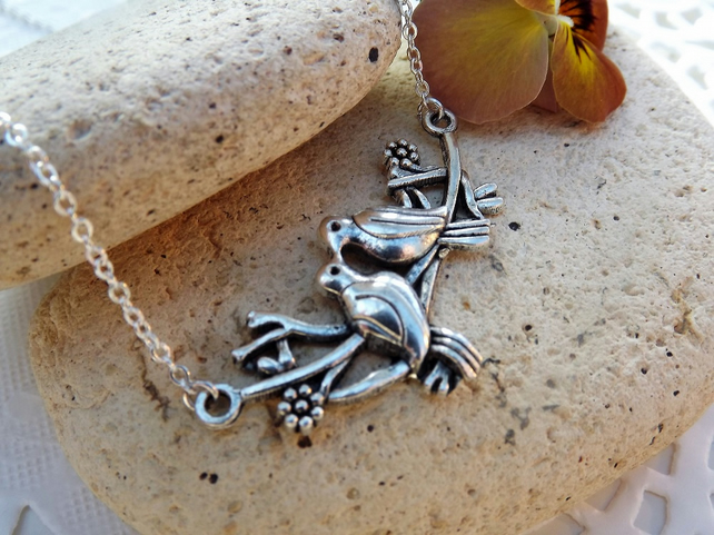 Kissing Doves Silver Plated Charm Necklace (Style 35)