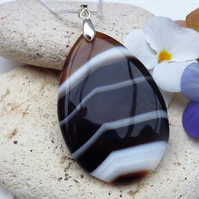 Brown and White Agate Gemstone Pendant (Style 8)