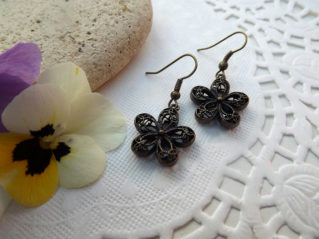 Brass Filigree Daisy Flower Dangle Drop Earrings
