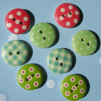 8 Polka Dot and Gingham Patterned Wooden Buttons
