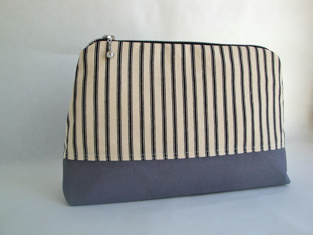 Canvas Toiletries Bag  - Grey Wash Bag