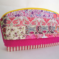 Crazy Patchwork Zipper Pouch -  Small tweed -  cotton bag