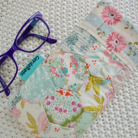Cotton Glasses Case - Hexagon Glasses Case