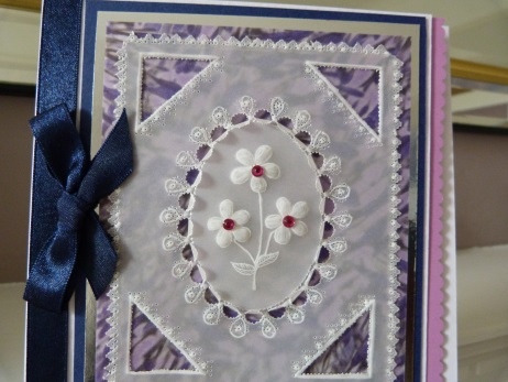 Scalloped Oval Flower Parchment Card