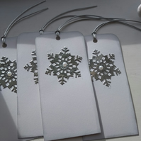 Pack of 4 gift tags silver snowflakes