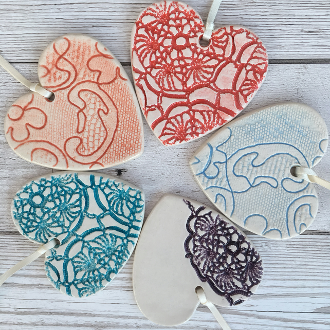 Ceramic lace textured hanging heart home decoration