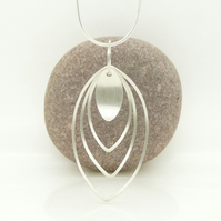 'Curve' Pendant in Sterling Silver