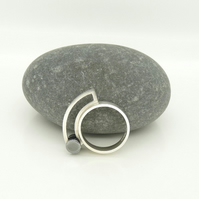'Diablo I' Ring in Sterling Silver with Oxidised 'Roller' UK Size O