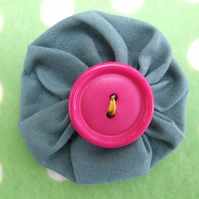LITTLE GREEN CORSAGE BROOCH