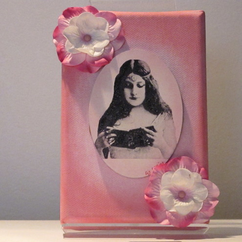 Pink Vintage Lady Canvas