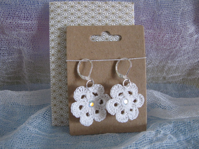 Vintage Crochet Cotton Flower Earrings (White)