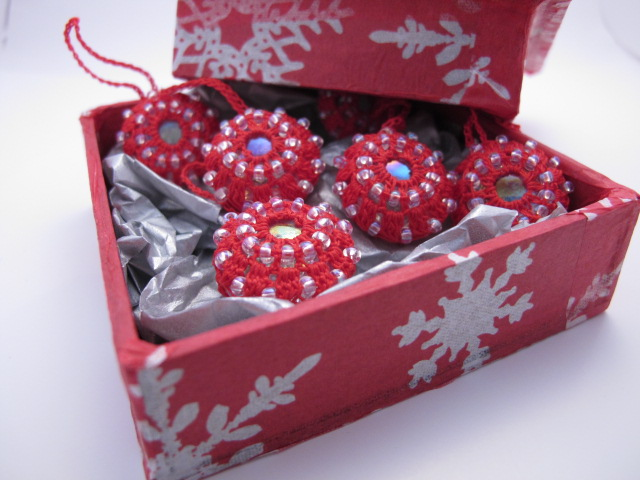 Luxury Crochet and Glass Christmas Tree Decorations Box of 6 (Red)