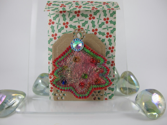 Sparkling Felt Christmas Tree Brooch (red, green)