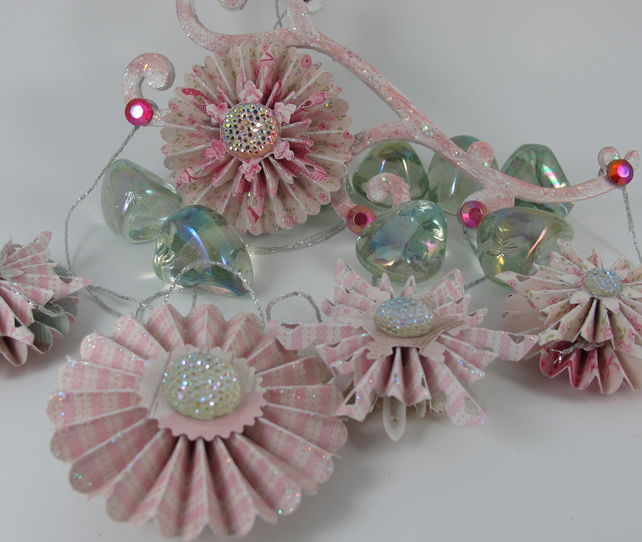 Decorative Snowflake Rosette Mobile, Wallhanging, (Shades of Pink)
